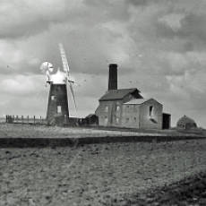 1900 - 1914 Wind Mill and Steam Mill in Houghton Regis