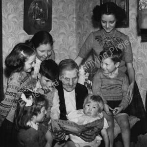 Curdew Smith & the Wass children.jpg