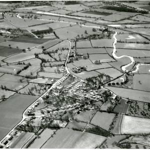 Li14266 Aerial photo of Walkers Green.jpg