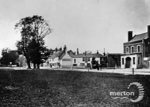 Lower Green, Mitcham: Cricketers and Henty's Corner