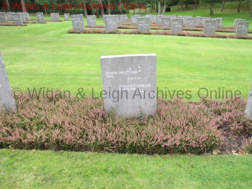 Grave of Paul Krieger.01.jpg