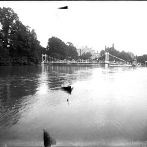 G36-332-03 Victoria Suspension Bridge with floods.  (Photograph possibly taken from a boat).jpg