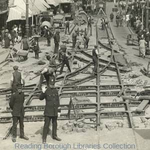 Reading Corporation Tramways, relaying of the cross-over at the junction of West Street