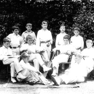 G36-502-06 Boys' cricket team, possibly Hereford Cathedral School.jpg