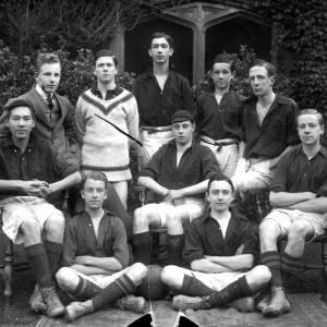 G36-503-16 Hereford Cathedral School footballers .jpg