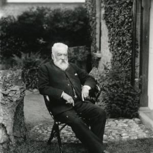 G36-002-04 Old bearded man seated outside Field Farm house Hampton Bishop.jpg