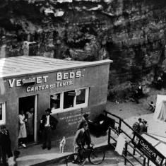 Velvet Beds, Marsden