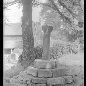 alfred watkins 1098 westhide church cross date 1928.jpg