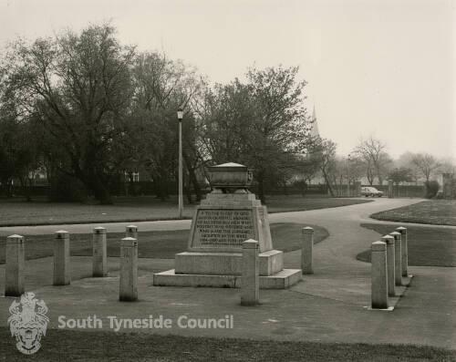 Carr-Ellison Park War Memorial