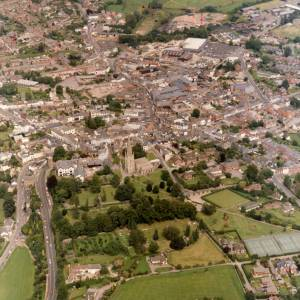 Li14980g Aerial photo of Ross-On-Wye 1988.jpg