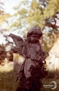 St. Mary's Parish Churchyard, Merton: Memorial statue