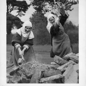 "435 - ""Nuns build their own chapel"""