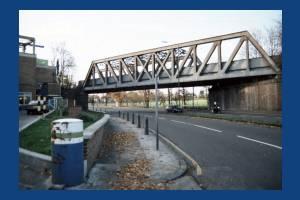 London Road, Morden: Iron Bridge