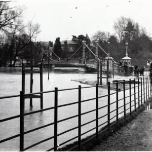 River Wye in flood at Victoria Bridge, Hereford 1910
