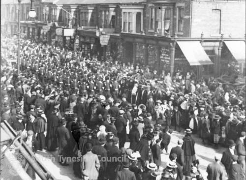 Old Volunteers marching along Ocean Road