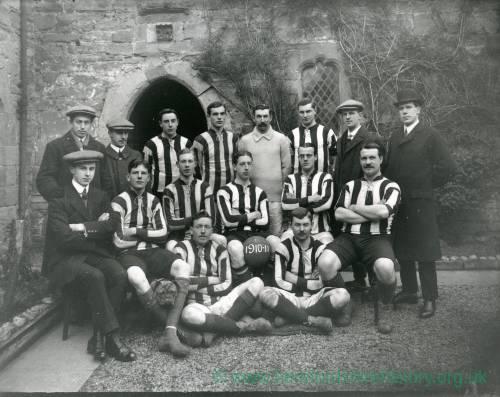 G36-205-01 Football team outside Coningsby Hospital .jpg