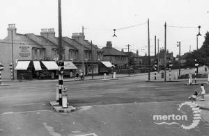 London Road,  Mitcham: Junction with Streatham Road