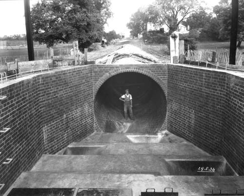 Syphon under the River Brent. Inlet chamber and ducts looking upstream