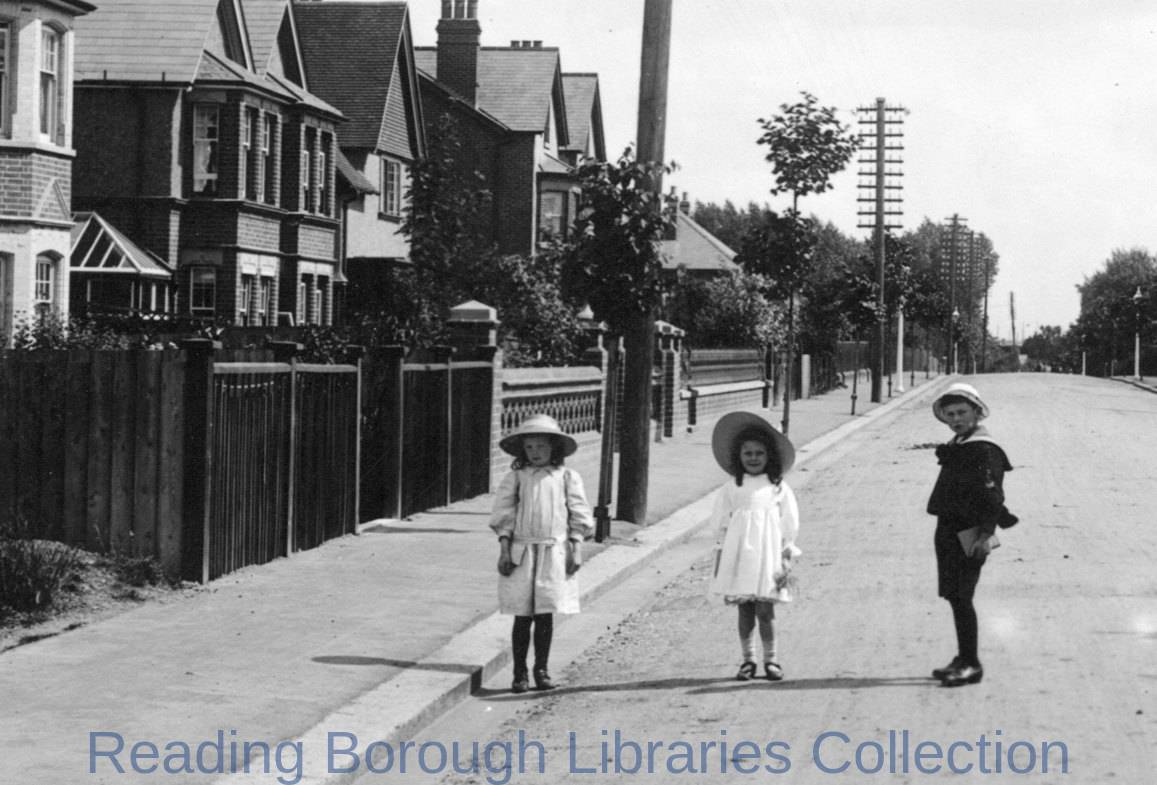 Albert Road, Caversham, looking south-eastwards, 1908. Three children in sun-hats stand in the carriageway