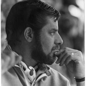 193 - Bearded man wearing cravat, Jerry Lewis