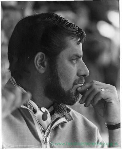 193 - Bearded man wearing cravat, Jerry Lewis