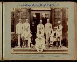 Photograph Album (1898-1905)-012 Rowing VIII 1900.jpg