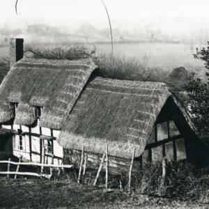 Bosbury, thatched cottage, 1934