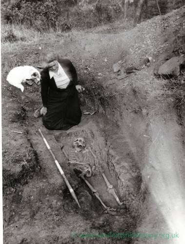 Sutton Walls, iron age skeleton, 1949