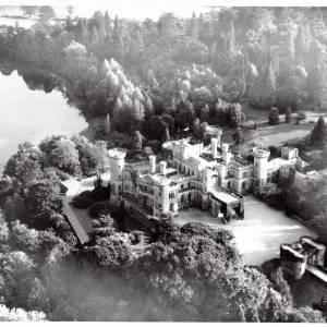 Li15190 Aerial Photograph of Eastnor Castle 1972.jpg