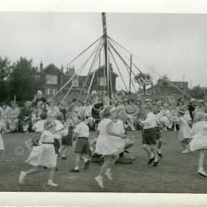1960's Maypole Country Dancing In School Field (h)