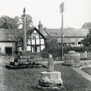 Bodenham, market cross & war memorial, 1928