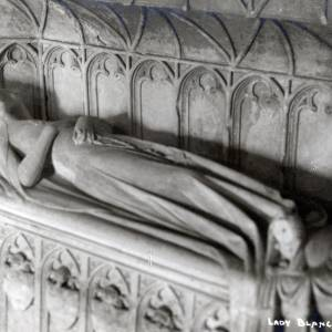 999 Much Marcle - Church - Effigies - Isabella Mortimer, Lady Fitzalan of Clun & Oswestry(1st marriage), Lady Arderne of Horndon (2nd marriage), Lady Hastang of Boxted (3rd marriage).jpg