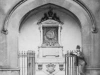 Former entrance to Parish Church