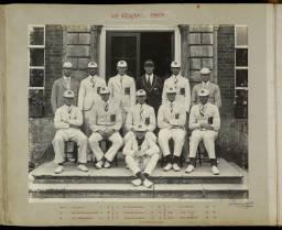 Photograph Album - 1916-1930_0067 Rowing VIII 1929.jpg
