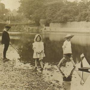 Hatton family, River Wye, Hereford c1899
