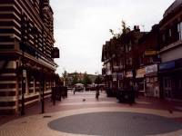 London Road, Mitcham:  Fair Green,  pedestrian precinct