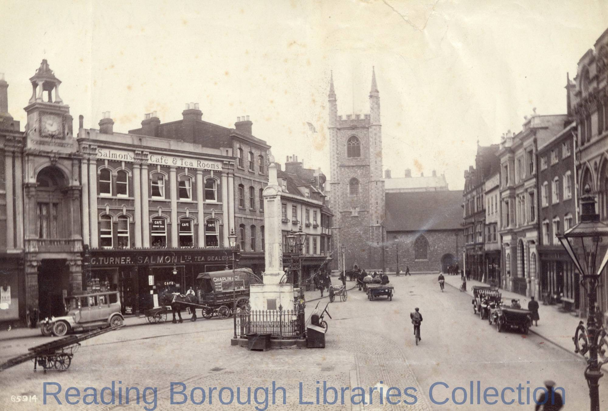 Market Place, Reading, looking north to St. Laurence's Church, c.1920