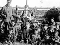 Gypsy families pictured on Mitcham Common