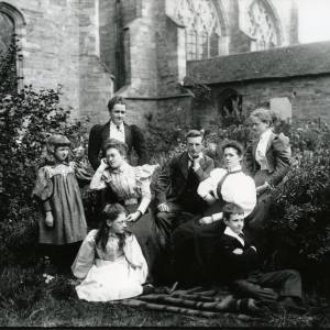 G36-013-05 Family group outside Hereford Cathedral.jpg