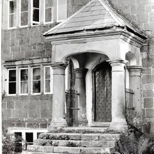 Huntsham Court, Goodrich, porch, 1925