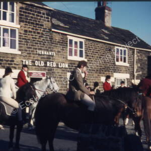 Hunt Outside The Top Red Lion 14.11.71.