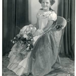 1952. 42nd May Queen Helen Sykes (b)