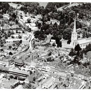 Li14440 Ledbury - Aerial View looking East by Aerofilms 1938.jpg