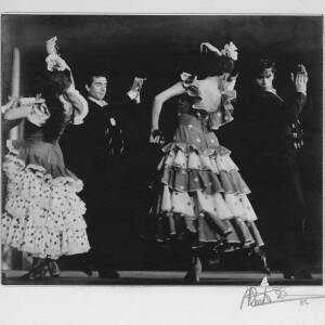432 - Two couples in traditional costume, Flamenco dancing
