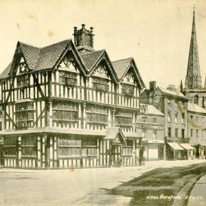 Li14175 Herefordshire - Hereford - The Old House  - Picture taken by Mr Alfred Derrick - Donated by Pat Jenkins nee Derrick.jpg