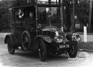 Early motor vehicle owned by Mr F. Manning, Allen's Garage, Cricket Green