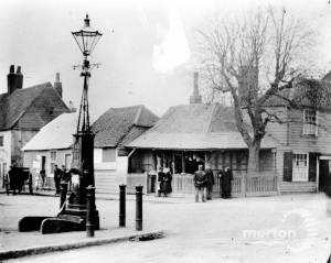 Collbran's Corner and the village pump, Fair Green