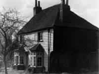Lower Morden Lane, Morden: Weatherboarded cottage
