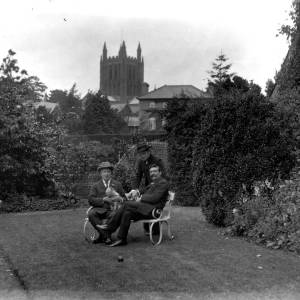 G36-320-13 Three gentlemen at Castle Cliffe, Hereford [as G36-320-11]