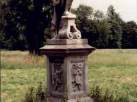 Morden Hall Park, Morden: Statue Venus